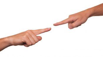 Due persone si accusano per calunnia e diffamazione